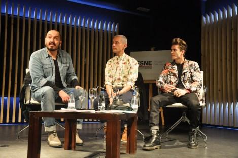 Durante la conferencia. Juan Duyos, David Delfin y Pelayo Díaz. Fotografía de Rocío Pastor Eugenio.