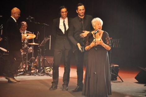 Asunción Balaguer. Tras ella, Asier Exteandia y Ron Lalá. Fotografía por Rocío Pastor Eugenio.WOMANWORD