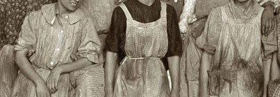 1908 Trabajadoras de la Cotton Textile Factory, en Washington Square, Nueva York. Primeras en reclamar su derecho de afiliación al sindicato