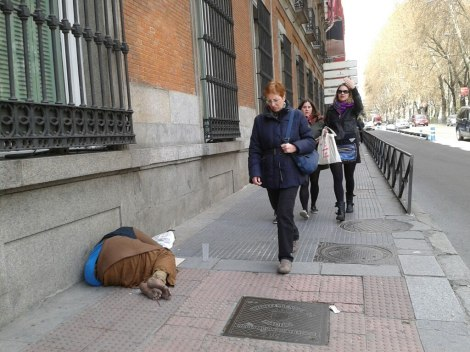 HIPERREALISMO en la fachada del #MuseoThyssen de #Madrid. Fotografía de Rocío Pastor Eugenio. WOMANWORD @Woman_Word