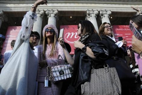 Anna Dello Russo Main Door of Chanel by  © Rocío Pastor Eugenio.  ® WOMANWORD